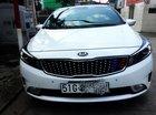 Cần bán gấp Kia Cerato sản xuất năm 2018, màu trắng xe gia đình