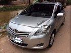 Cần bán xe Toyota Vios E sản xuất 2010, màu bạc còn mới