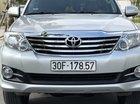 Gia đình bán xe Toyota Fortuner 2.7 AT đời 2015, màu bạc