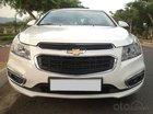 Cần bán gấp Chevrolet Cruze LT 2016 trắng cực trẻ trung nha