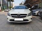 Cần bán xe Mercedes CLA200 năm 2017, màu trắng, nhập khẩu nguyên chiếc