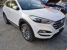 Bán xe Tucson 2019 2.0AT đặc biệt, màu trắng, giá tốt, xe giao ngay, KM hấp dẫn