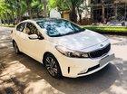 Bán Kia Cerato 2018, ĐK 2019 màu trắng tự động, xe đi 200 km