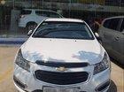 Cần bán xe Chevrolet Cruze năm 2016, màu trắng, còn khá tốt, chưa đâm đụng hay ngập nước