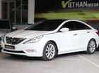 Cần bán xe Hyundai Sonata 2.0AT đời 2010, màu trắng, nhập khẩu