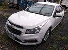 Bán xe Chevrolet Cruze sản xuất 2017, màu trắng số sàn, giá 390tr