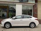 Cần bán Hyundai Accent AT đời 2019, màu trắng