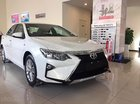 Cần bán Toyota Camry 2.0 E đời 2019, màu trắng