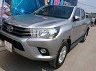 Cần bán lại xe Toyota Hilux đời 2017, màu bạc, nhập khẩu nguyên chiếc
