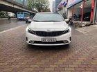 Cần bán xe Kia Cerato AT đời 2016, màu trắng như mới