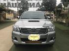 Bán xe Toyota Hilux 2.5E 4x2 2014, màu bạc, nhập khẩu