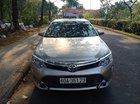 Cần bán xe Toyota Camry 2.0E đời 2013, màu vàng cát, giá chỉ 780 triệu