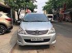 Cần bán Toyota Innova đời 2010, màu bạc