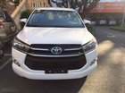 Cần bán xe Toyota Innova 2.0E MT đời 2019, màu trắng giảm tiền mặt, tặng bảo hiểm, DVD, camera, hộp đen