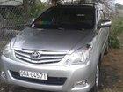 Bán Toyota Innova G đời 2010, màu bạc xe gia đình, giá 500tr