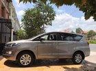 Cần bán Toyota Innova 2.0 E sản xuất 2017, màu nâu