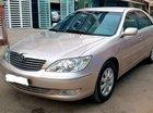 Cần bán Toyota Camry 3.0 sản xuất 2002, màu vàng giá cạnh tranh
