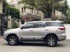 Bán Toyota Fortuner 2.4G đời 2017, màu bạc, nhập khẩu số sàn