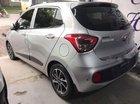 Cần bán xe Hyundai Grand i10 1.2 AT đời 2017, màu bạc, lốp theo xe, nội thất mới, biển TP