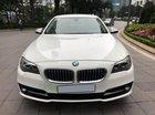 Chính chủ bán xe BMW 5 Series 520i đời 2015, màu trắng/kem, nhập khẩu, có cửa hít