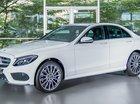 Cần bán Mercedes C300 AMG đăng ký 08.2018, màu trắng. Bảo hành dài đến 2021