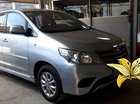 Cần bán Toyota Innova 2.0MT E 2014, màu bạc biển SG