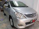 Cần bán lại xe Toyota Innova V năm 2011, màu bạc chính chủ