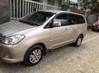 Cần bán lại xe Toyota Innova 2.0J đời 2011, màu vàng chính chủ