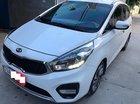 Cần bán lại xe Kia Rondo GAT 2017, màu trắng số tự động