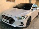 Chính chủ bán Hyundai Elantra 2.0AT 2016, màu trắng