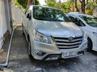 Bán xe Toyota Innova V năm sản xuất 2015, màu bạc, xe nhập, mới 95%, nệm da zin