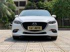 Bán ô tô Mazda 3 sản xuất 2017 màu trắng, giá tốt