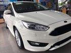 Bán xe Ford Focus sản xuất 2018, màu trắng, giá tốt