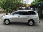 Bán Toyota Innova 2.0V sản xuất 2009, số tự động, màu bạc, chính chủ làm công chức chạy ít 8 vạn nên xe còn đẹp, giá 385
