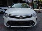 Bán ô tô Toyota Camry 2.0 năm sản xuất 2016, màu trắng