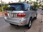 Bán xe Toyota Fortuner G đời 2010, màu bạc số sàn, giá tốt