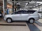 Cần bán Toyota Innova đời 2017, màu bạc, nhập khẩu số sàn