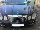 Cần bán lại xe Mercedes E200 sản xuất 2008, màu đen giá cạnh tranh