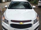 Cần bán Chevrolet Cruze sản xuất năm 2015, màu trắng xe gia đình
