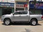 Cần bán lại xe Toyota Hilux 2016, màu bạc, nhập khẩu