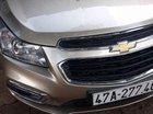 Bán xe Chevrolet Cruze sản xuất 2017, màu vàng cát