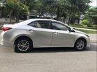 Cần bán xe Toyota Corolla Altis 2017, màu bạc, giá 695tr