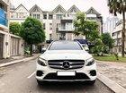 Bán Mercedes GLC300 4MATIC màu trắng sản xuất 11/2018, biển Hà Nội, đăng ký 2019