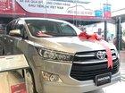 Cần bán Toyota Innova E năm 2019, màu bạc