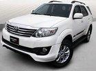 Bán Toyota Fortuner Sportivo năm 2014, màu trắng xe gia đình, 830 triệu