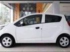 Bán ô tô Chevrolet Spark LS đời 2018, màu trắng, đăng kí T11/2018