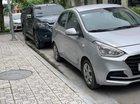 Cần bán xe Hyundai Grand i10 MT Base năm 2017, màu bạc, nhập khẩu, 2 chìa khoá mới đét