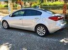Cần bán gấp Kia K3 sản xuất 2016, màu bạc, xe gia đình còn mới leng keng
