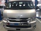 Bán ô tô Toyota Hiace 3.0l máy dầu 15 chỗ sản xuất 2019, màu bạc