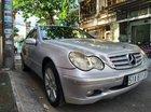 Cần bán Mercedes C200 sản xuất năm 2002, màu bạc, nhập khẩu nguyên chiếc, giá chỉ 150 triệu